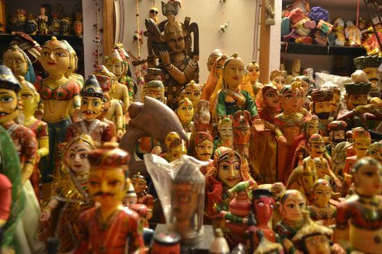 Art Inn Jaipur: puppets, university of arts udaipur