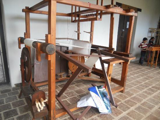 Templo del Carmen: Telar para un taller de tejido