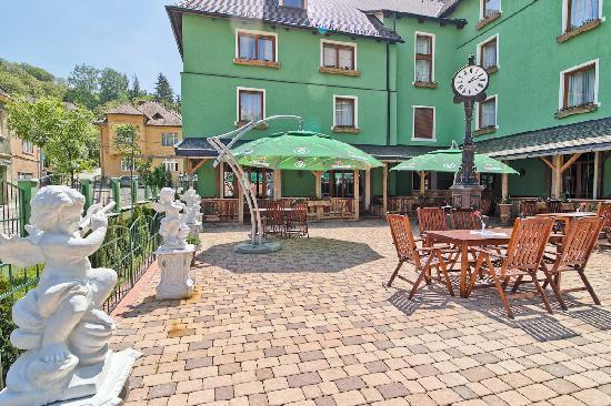 Mercure Sighisoara Binderbubi Hotel and Spa: Terrace