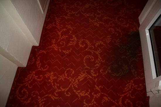 Hotel Mohren: Teppichboden bei Zimmer 312