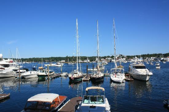 Brown's Wharf Inn: Excellent view of the Harbor from our room!