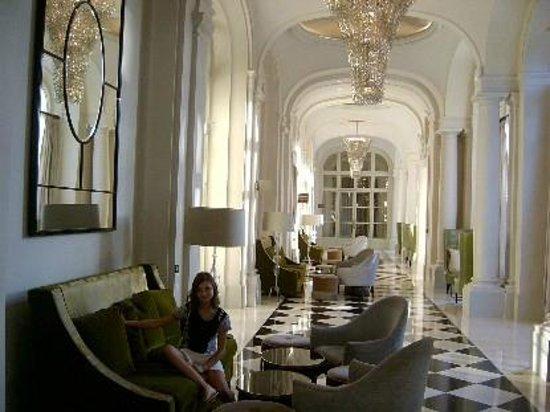Trianon Palace Versailles, A Waldorf Astoria Hotel : Ingresso dell'hotel sensazionale