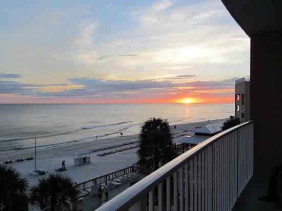 Palmetto Inn & Suites: sunset
