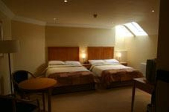 Dingle Bay Hotel: Twin Room (twodoublebeds)