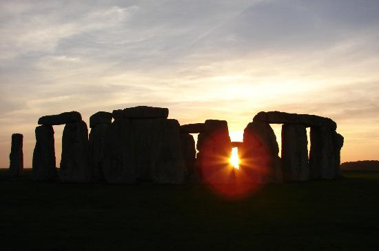 Salisbury, UK: Stonehenge sunset.