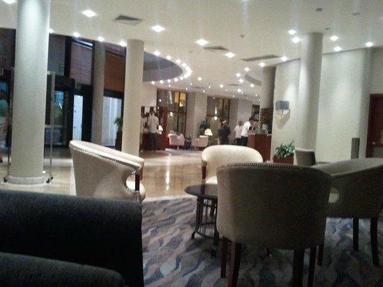 Marina Hotel Corinthia Beach Resort : Hotel Reception