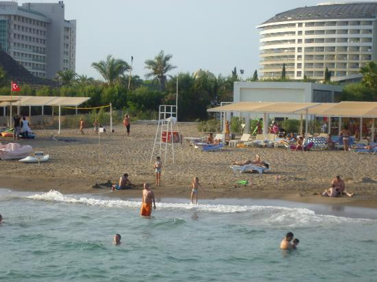 Kervansaray Hotel Kundu: beach area