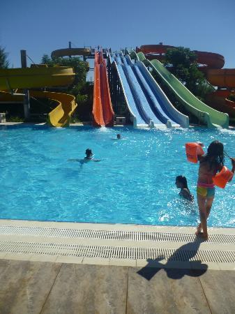 Kervansaray Hotel Kundu: slides!