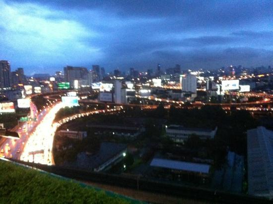 Eastin Hotel Makkasan: view from the lounge