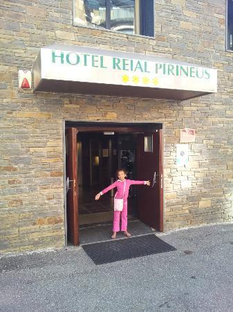 Hotel Reial Pirineus: Foto de la entrada