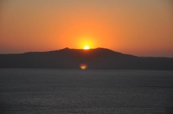 Scirocco Apartments: Sunset from the terrace