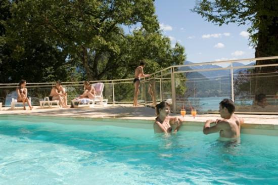 Foto de les balcons du lac d 39 annecy sevrier piscine for Piscine du lac