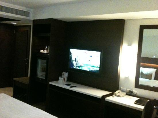 Century Park Hotel: large screen tv