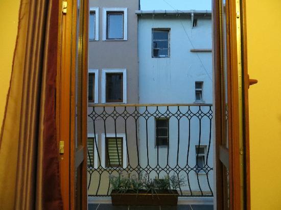 Violet Suite: balcony