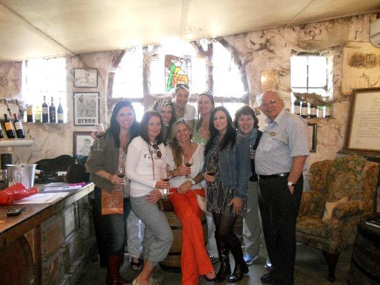 I Love Cape Town Tours: Our group and Selwyn at the Muratie Vineyards