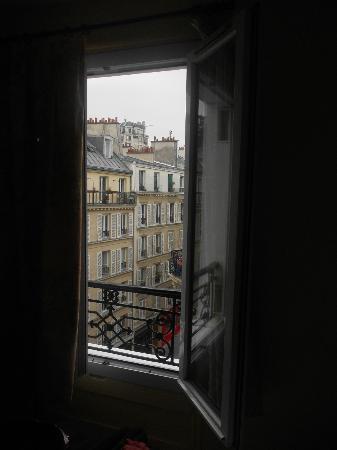Hotel Bonsejour Montmartre: View