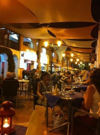 Terraza restaurante la mandragora fotograf a de la mandr gora sitio de calahonda tripadvisor - La mandragora malaga ...