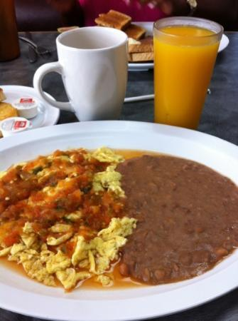 Grapevine Cafe & Coffeehouse : Huevos rancheros!