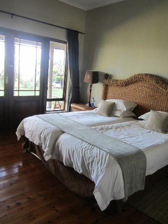 Kariega Game Reserve: 3 room in lodge