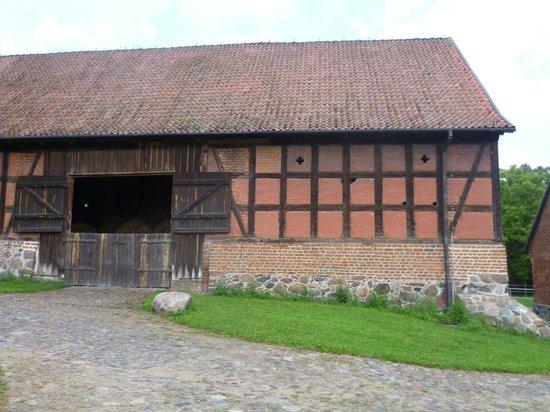 Palac i Folwark Galiny:                   Horse stable