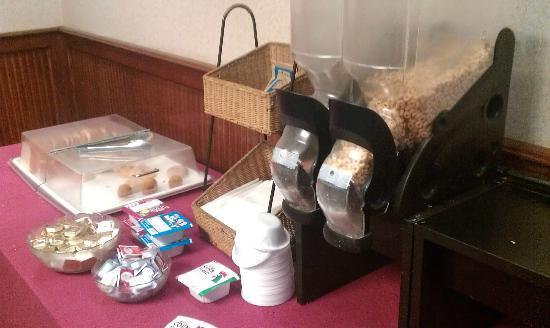"Clarion Hotel: ""Continental Breakfast"" 2"
