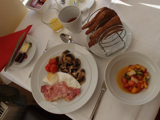 Bannerman Bed and Breakfast: Hearty breakfast
