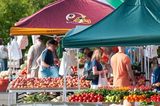 Farmers Market at Harris Pavilion in Old Town Manassas