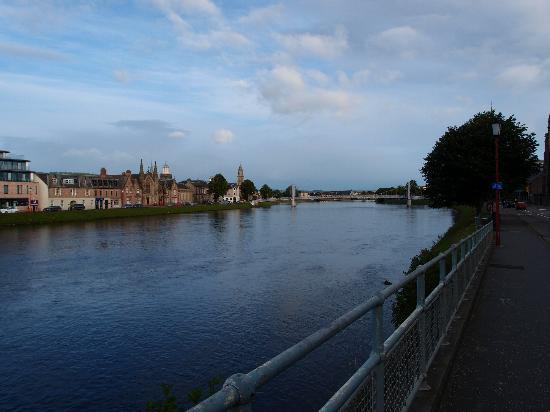 Bannerman Bed and Breakfast: River Ness