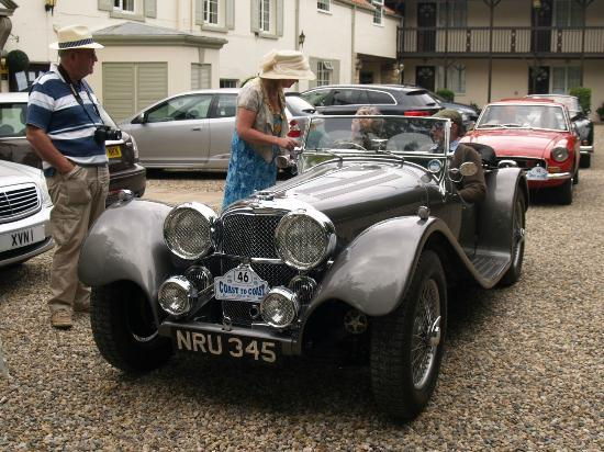 East Ayton Lodge: Jaguar SS Replica