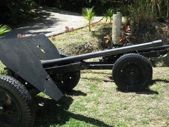 Guam Pacific War Museum: WWII Japanese 47mm anti-tank gun, two of them!