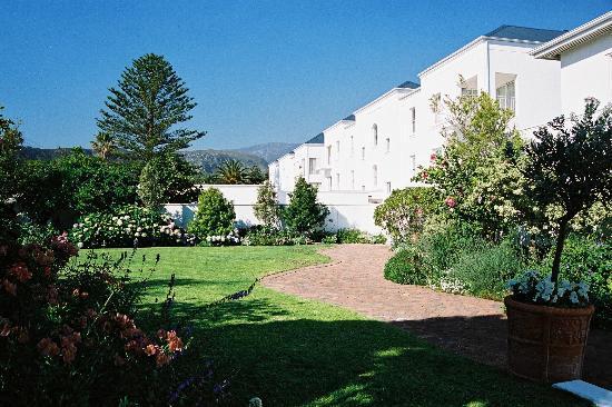 The Marine Hermanus: The Marine Hotel Gardens