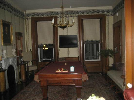 Victorian Mansion: Main level