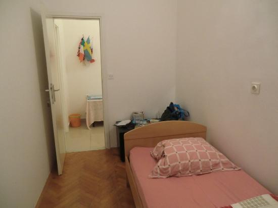 Apartments Djanovic: single room no toilet