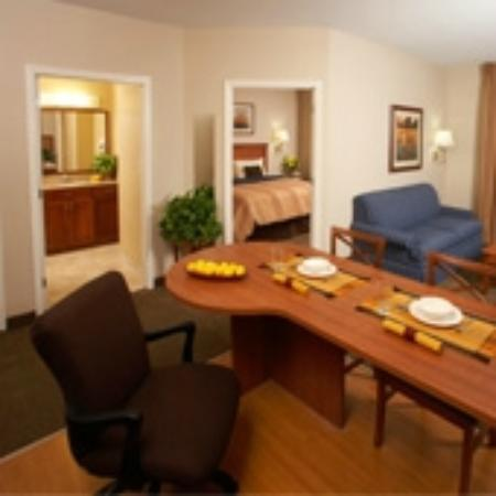 Candlewood Suites Kansas City Speedway: One Bedroom Suite