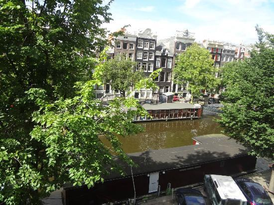 Singel Hotel Amsterdam: The Poesenboot from our window.