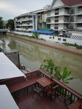 Jam Hostel Bangkok : view behind the hotel