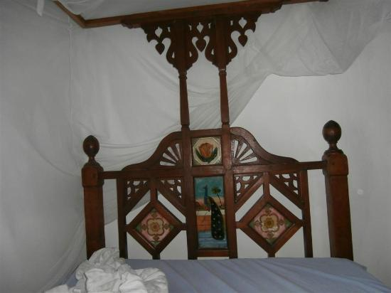 Kiponda B&B: Gorgeous Zanzibar beds