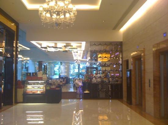 Park Hotel Clarke Quay: Lobby und Restaurant