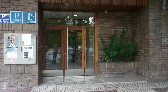 Alojamientos Olga: Entrada del hotel