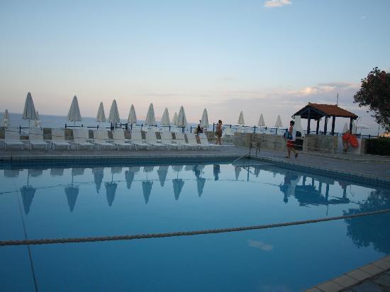 Peninsula Resort & Spa: 8