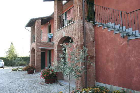 Agriturismo Podere Saliciaia : Front of hotel
