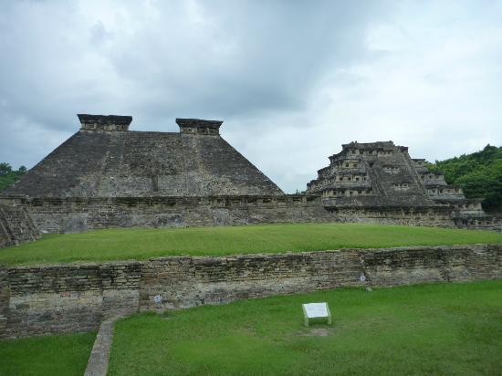 Papantla, Mexico: Pirámide del Dios Tajin y Pirámide de los nichos