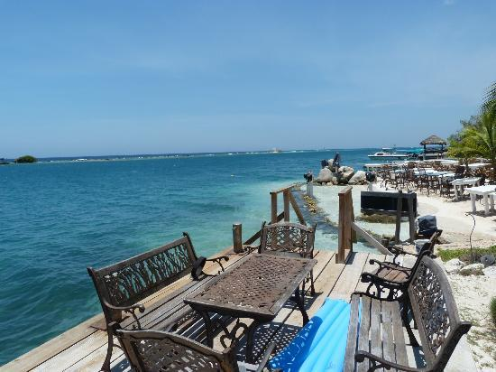 Coral Reef Beach Villa and Apartments: view from coral reef