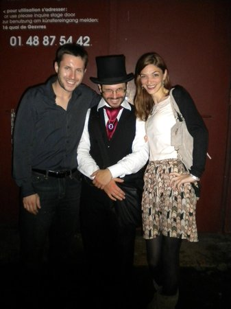 Dark Paris : My wife and I posing with Julien