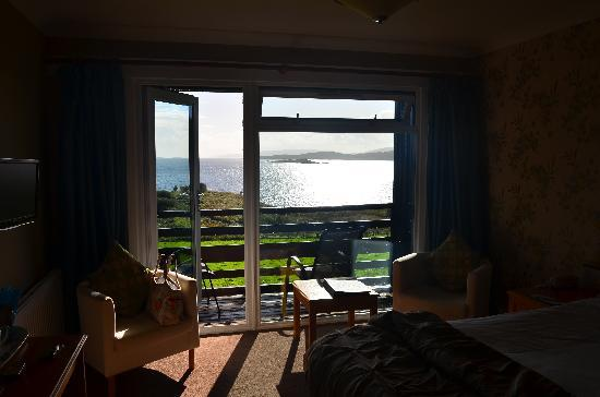 Loch Melfort Hotel and Restaurant: The evening view from Room 37