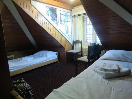 Hotel Rendez-Vous: top floor room