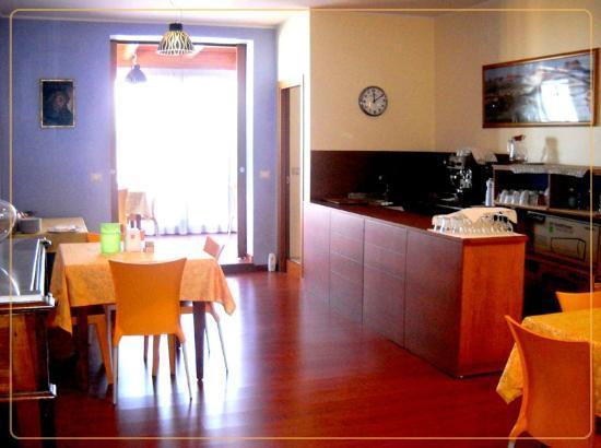 Albergo Ristorante La Coccinella : sala colazione