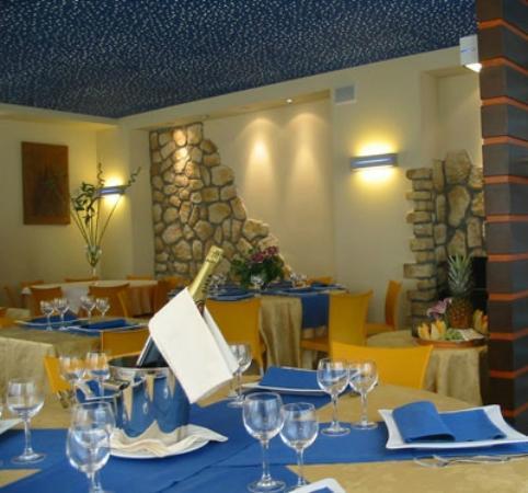 Albergo Ristorante La Coccinella : sala in occasione di feste varie