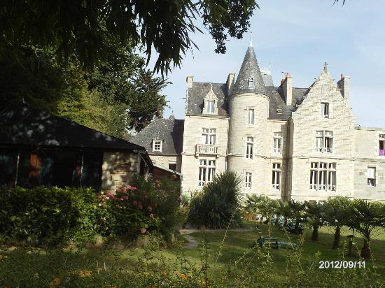 Chateaux du Val - Domaine du Val : vue arriere du chateau