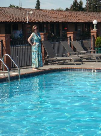 Wine Valley Lodge: Clean pool